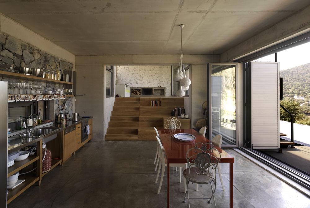 Modern but traditional house design house digsdigs - Casas con estilo ...