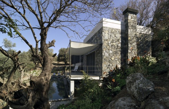 Modern But Traditional House Design