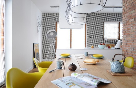 Modern Colorful Apartment For A Couple Of Travelers