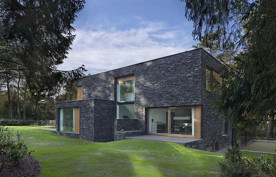 Modern Forest House Finished With Stone Bosvilla Soest
