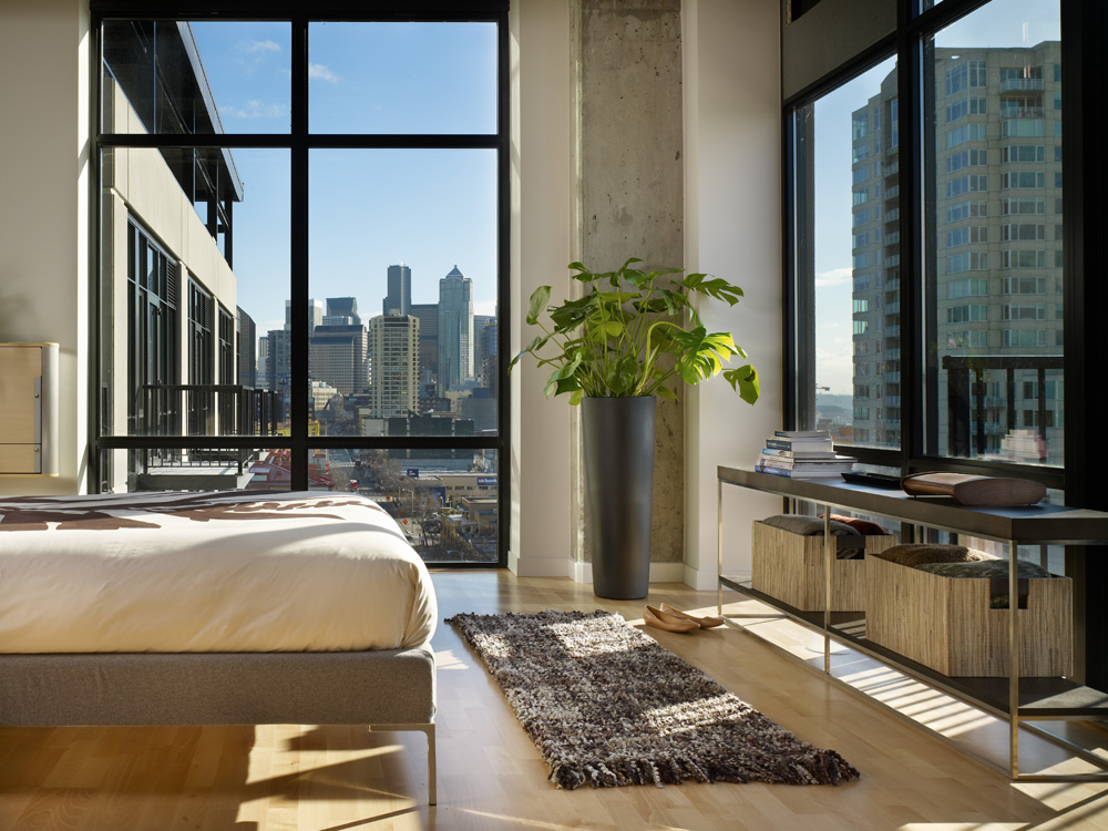 Modern urban green loft design mosler lofts digsdigs for Modern loft bedroom
