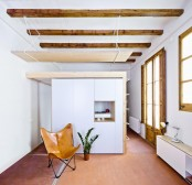 modern-house-design-with-lots-of-wood-and-exposed-beams-2
