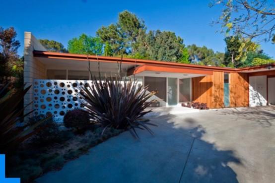 Modern House In Warm Shades