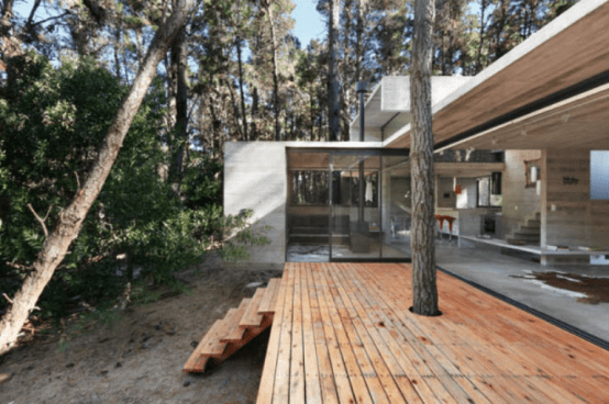 Modern House Of Concrete Opened To Nature