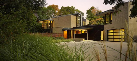 Contemporary House on Footprint of Pre-Existing Bungalow – Ravine House by KPMB