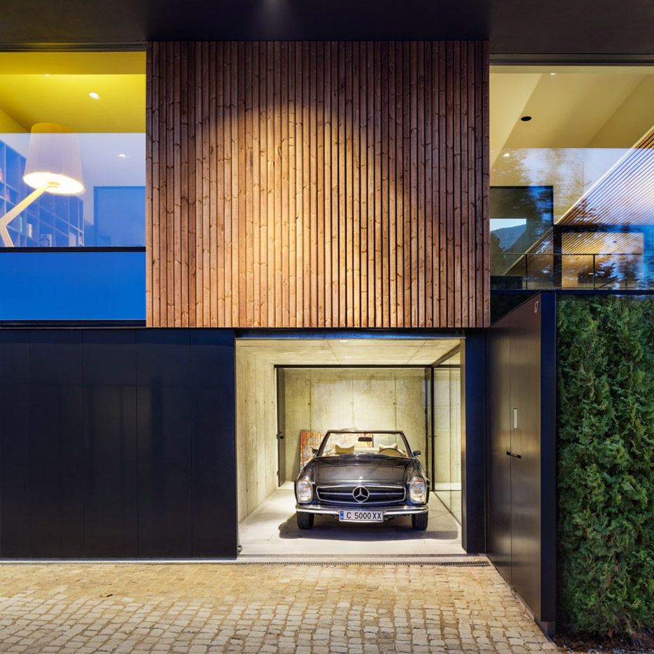 Picture Of modern house with a retro car as a focal point  3