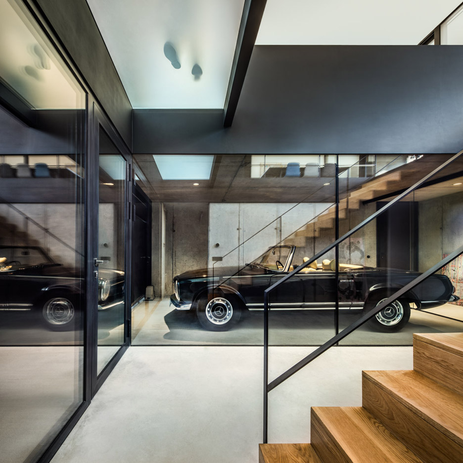 Picture Of modern house with a retro car as a focal point  4