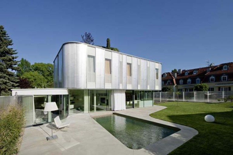 Desain Rumah Minimalis: The Modern House With Curved Architecture ...