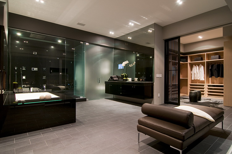 Inside Luxury Homes Bathroom