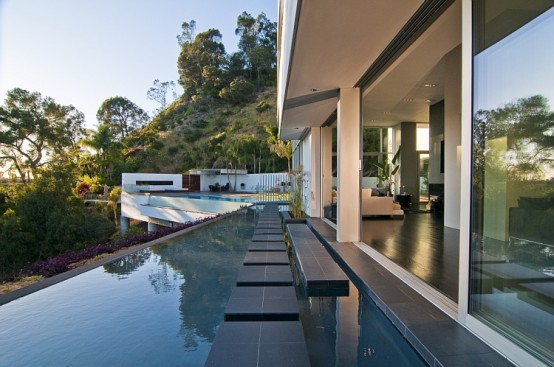 Modern Luxury California House