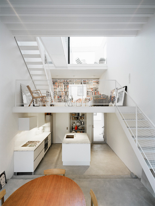 Modern Minimalist Townhouse Between Very Old Neighboring