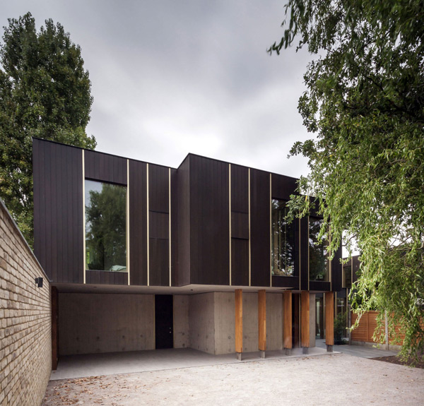 Modern Pear Tree House With Wood And Concrete In Decor