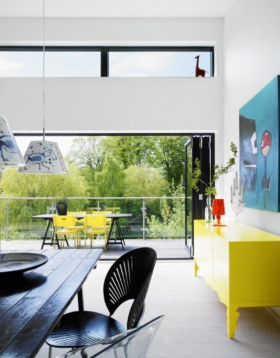Modern Pop-Art House Close To Nature