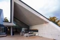 modern-reinterpretation-of-a-traditional-romanian-house-3