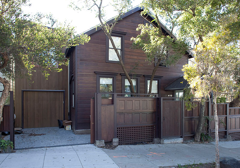 Modern Remodelling Of Very Old House By Feldman