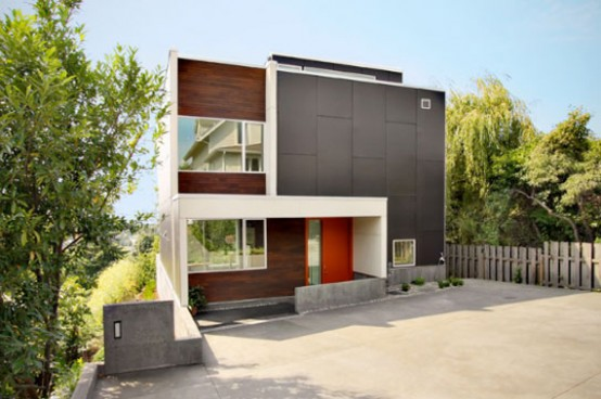Modern Backyard House with Awesome Roof Decks by SHED
