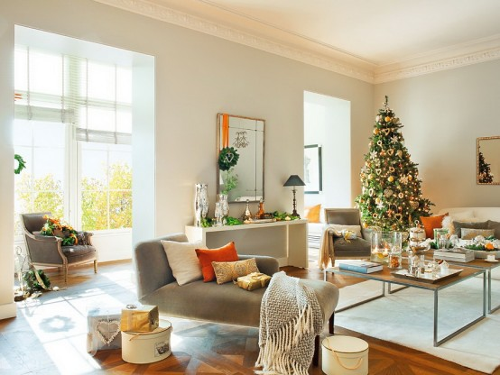 Modern Spanish House Decorated For Christmas
