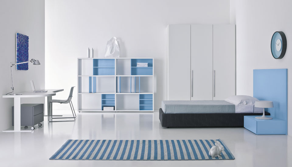 Modern teen room designs by pianca digsdigs for Interior design bedroom blue white