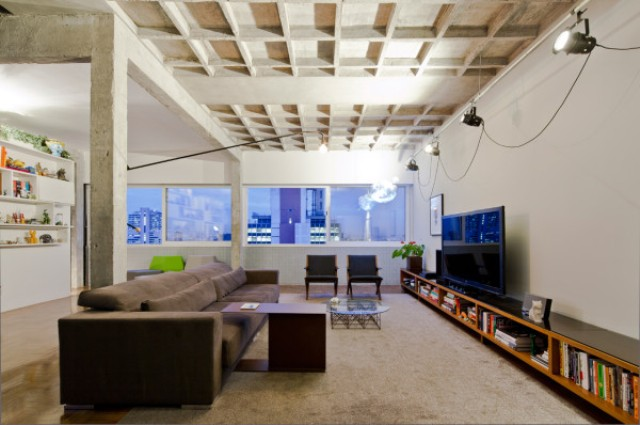 Modern Top Floor Bachelors Pad With Industrial Touches