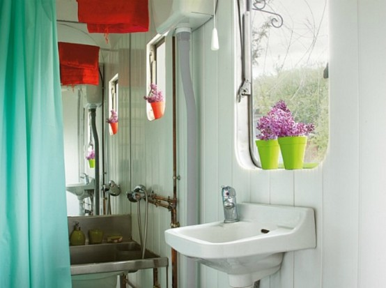 Modern Trailer In He Bright 60 S Style