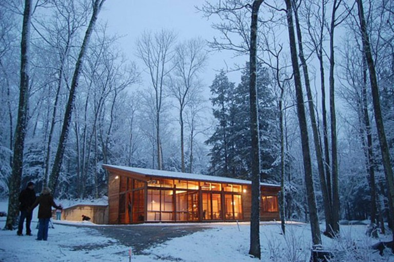 Thu jan 12 2012 modern home designs by kate - Wooden vacation houses nature style ...