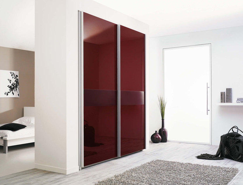 Modern wardrobe with refined door design stuart from for Latest cupboard designs