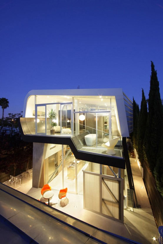 Modern Yet Not Minimalist House Design