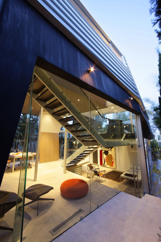 Modern-house-design-with-stairs
