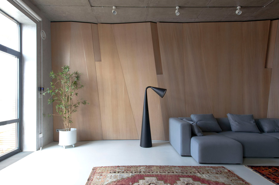 Picture Of modern zen moscow apartment with an inner garden  3