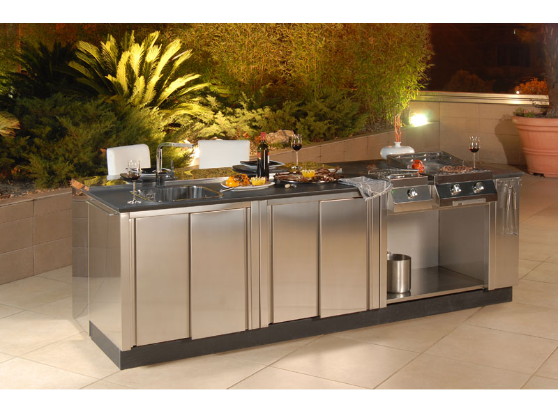 Modular outdoor kitchens kitchen q from bianchi digsdigs for Kitchen designs outside