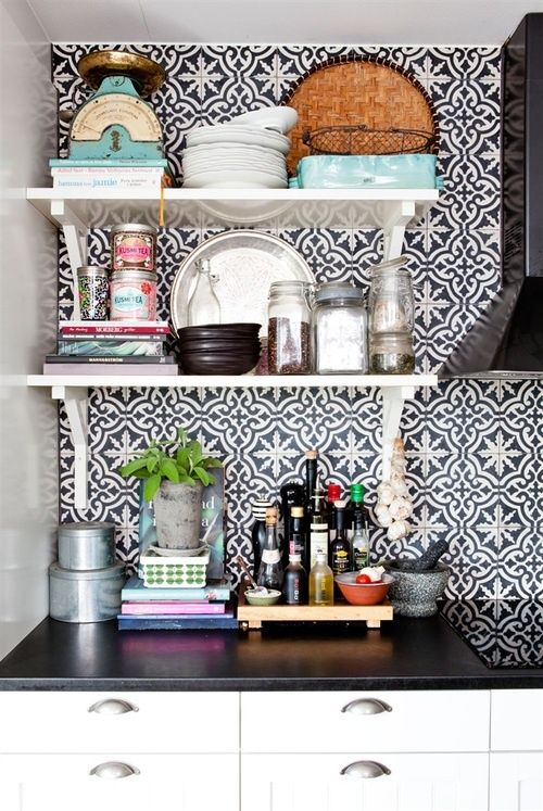 30 moroccan inspired tiles looks for your interior digsdigs for Dining room tile designs