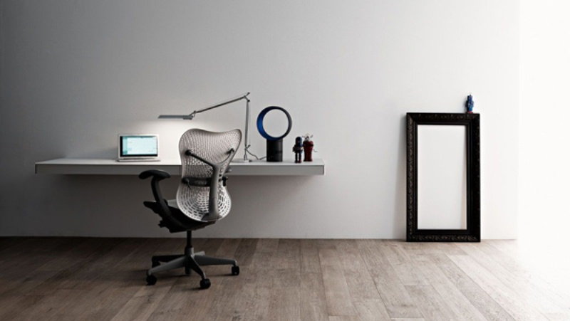 34 most stylish minimalist home offices you ll ever see for Simple office furniture design