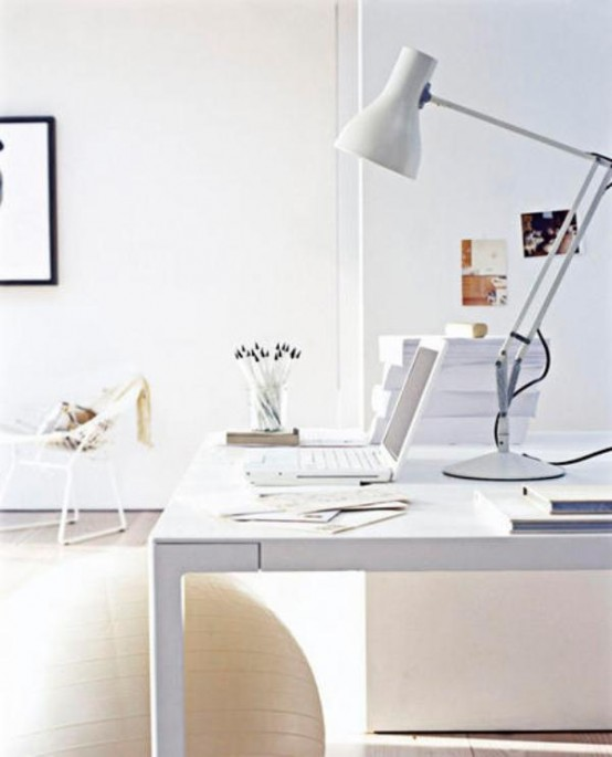 White Home Office IBook Laptop Computer Anglepoise Desk Lamp Table Excecise Ball L Etc 05/2007 Pub Orig