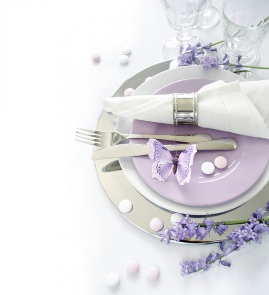 Table Decoration In Lilac