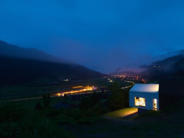 Mountain View House With Panoramic Alpine Views