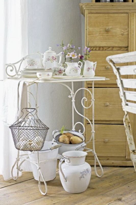 Munich house in french romantic style digsdigs for Style shabby chic decoration