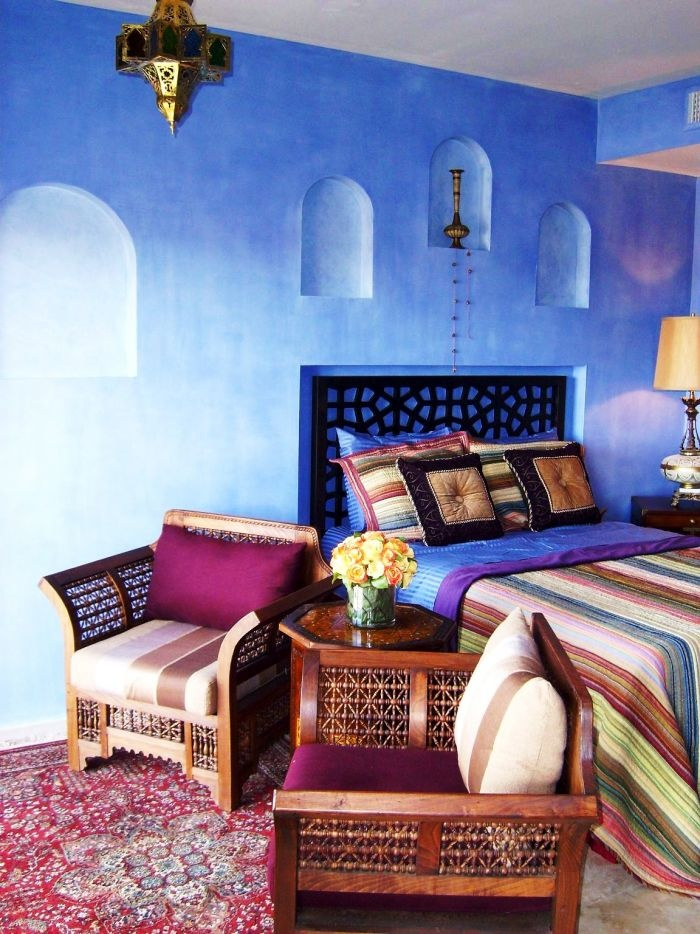 66 mysterious moroccan bedroom designs digsdigs for Blue purple bedroom ideas