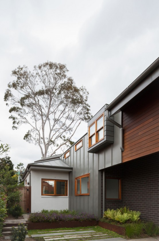 Naremburn House That Shifts Volumes And Geometries