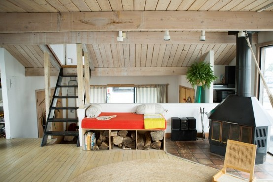 New York Houseboat With A Coastal Interior
