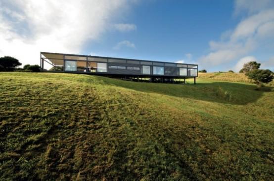 Stunning New Zealand Glass House With Minimalist Interiors