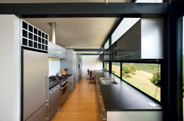 New Zealand Glass House With Minimalist Interiors