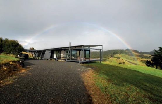 New Zealand Glass House With Minimalist Interiors