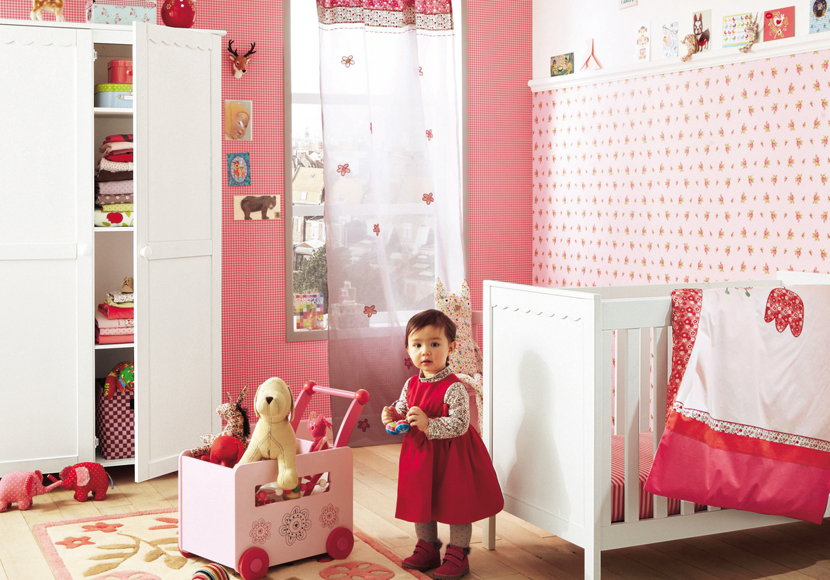 11 cool baby nursery design ideas from vertbaudet digsdigs for Baby girl decoration room