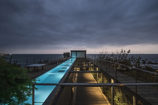 Oceanfront Oasis Amchit Residence With Mnimalist Design