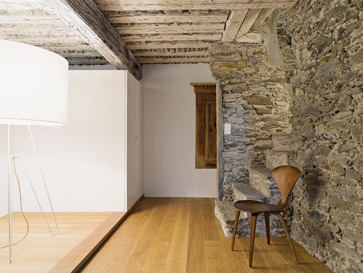 Old House Where Rustic Meet Modern Design By Formzone Digsdigs