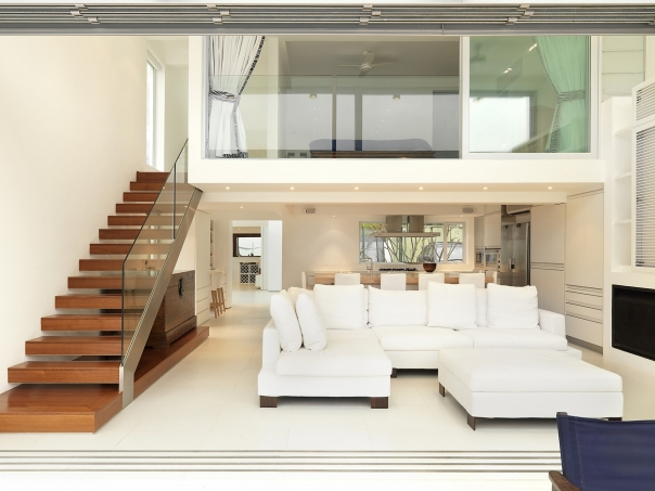 Beachfront House with Rooftop Garden by Original Vision - DigsDigs