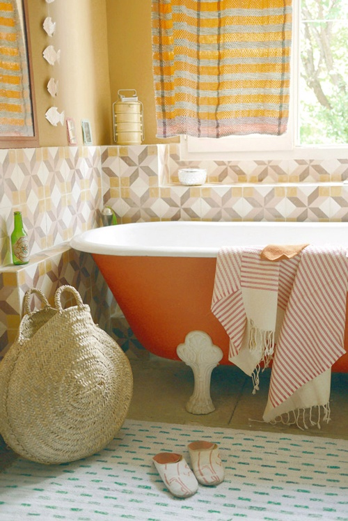 31 Cool Orange Bathroom Design Ideas