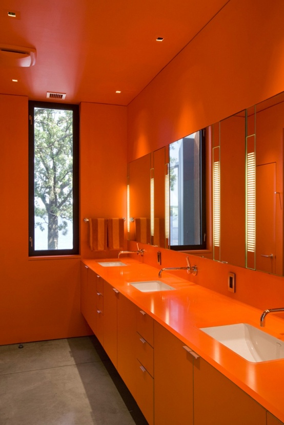 31 cool orange bathroom design ideas digsdigs for Cool bathroom decor ideas