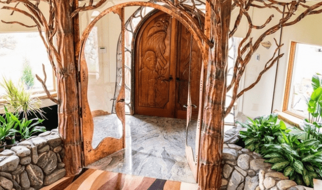 Organic Fairy Tale House That Seems Breathing With Magic
