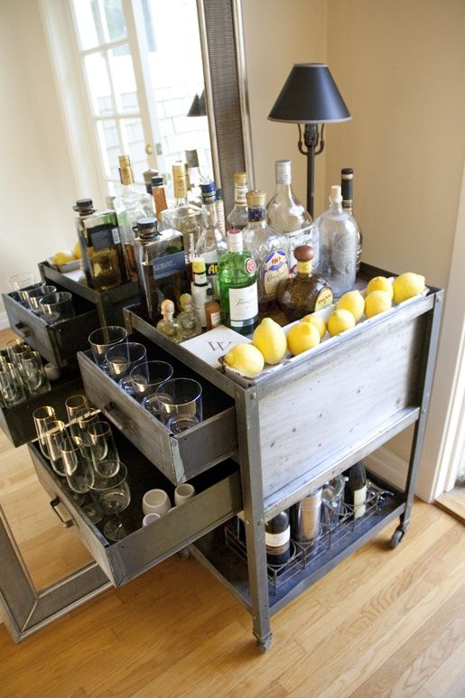 31 original home bars and cocktail mixing stations digsdigs for Casa namu diseno decoracion